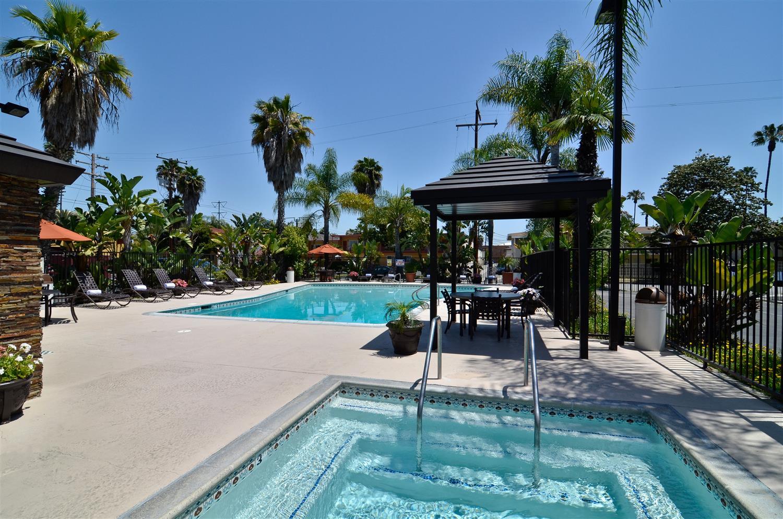 Disney Hotel pool