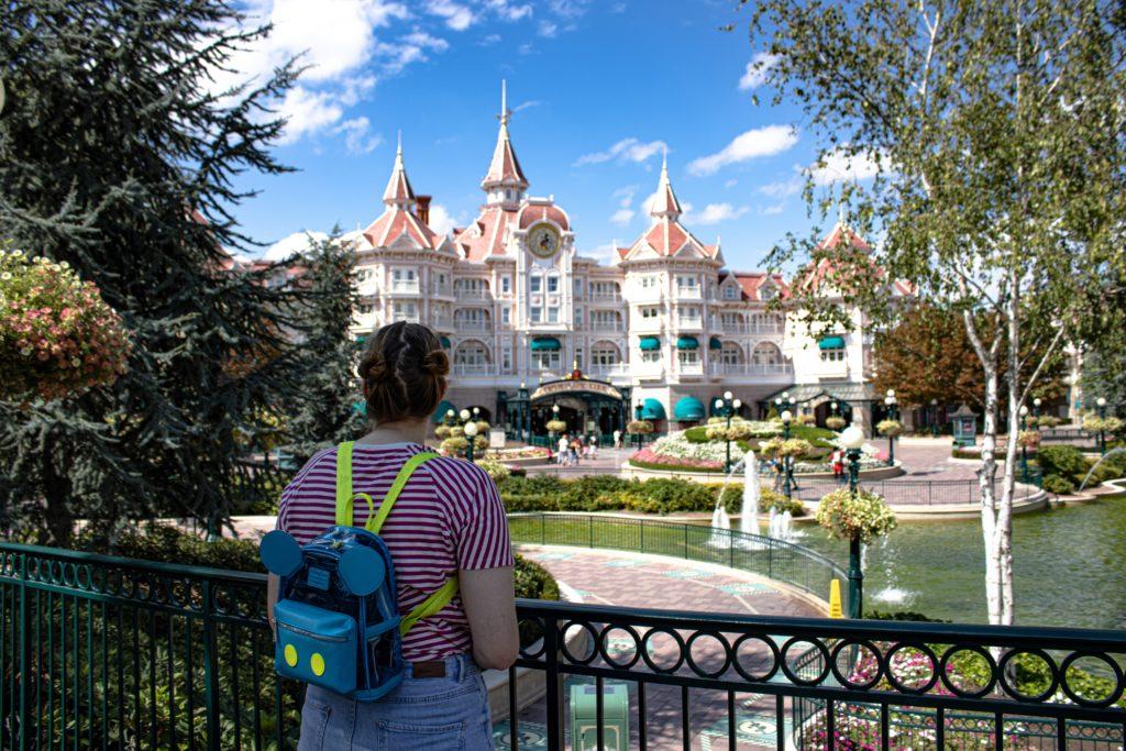 Disneyland-Safety-Tips-Pavilions-Hotel